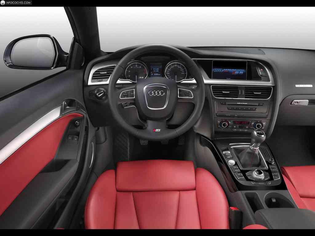 Audi S5 juego de colores en el diseño interior