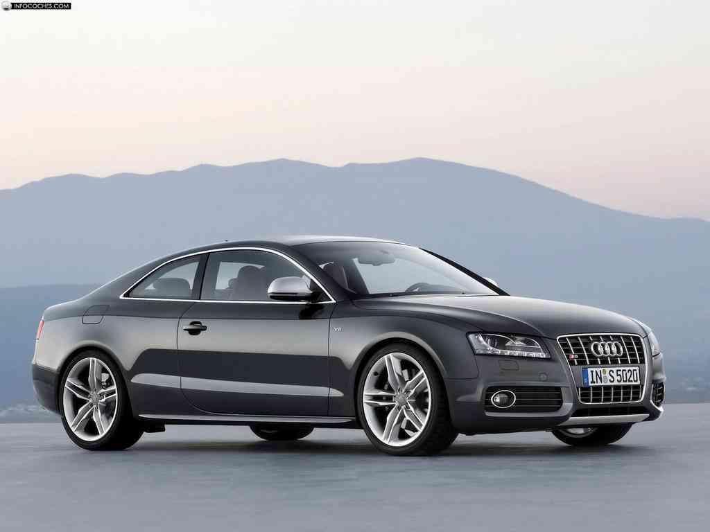 Audi S5 de lateral