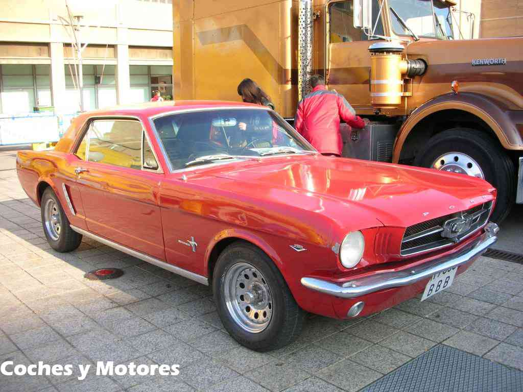 Auto Retro Barcelona: Ford Mustang Frontolateral
