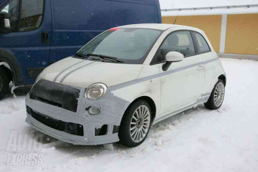 Fiat Abarth 500 SS camuflado; frontolateral