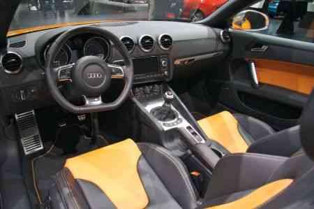 interior Audi TTS en Naranja