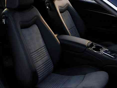 Interior con detalle del nuevo asiento del Maserati