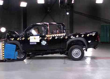 Isuzu D-MAX, el pick-up sigue el ejemplo del Nissan Navara