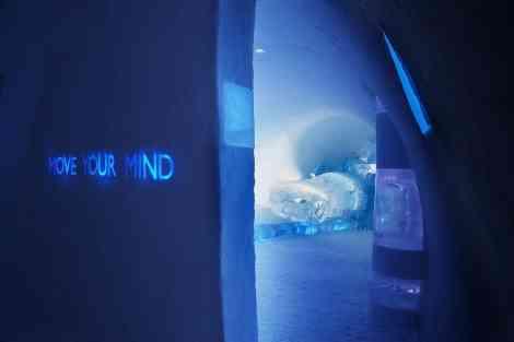 """La exposición """"Move your mind"""", con el Aero-X Concpet al fondo"""
