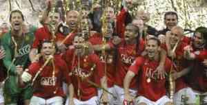 El Manchester United alzó su tercera copa de Europa