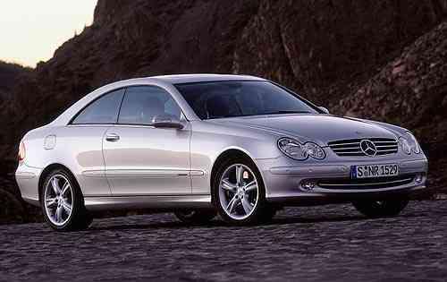 Miles de Mercedes tendrán que pasar por el taller