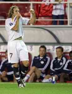 El Sevilla vence pero no convence