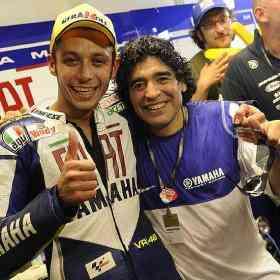 Maradona y Rossi en Motogp