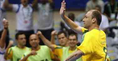 schumacher celebra la victoria de brasil