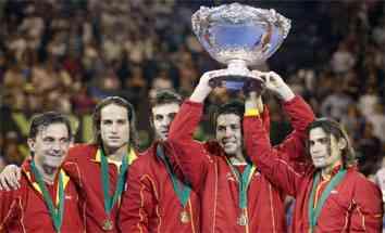 España consigue la tercera ensaladera