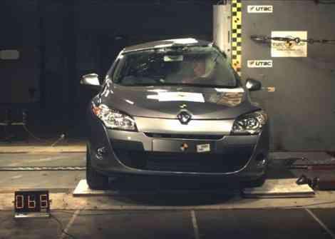 Choque lateral (pole) del nuevo Renault Megane