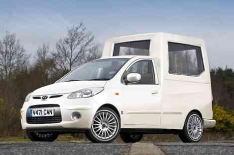Hyundai i10 Papamóvil, una de las bromas del April Fool's Day