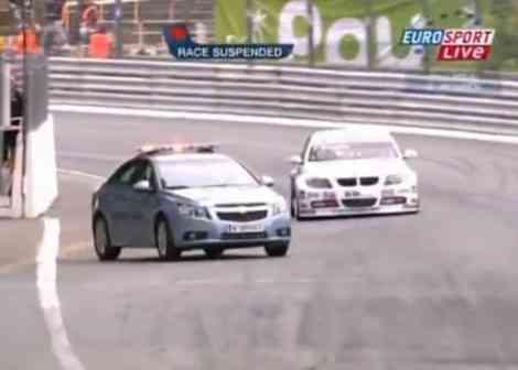 El Chevrolet Cruze incorporándose a la pista