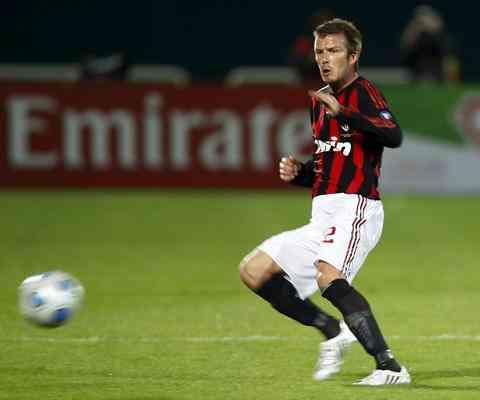 El Milan rejuvenece el equipo fichando a Beckham en enero