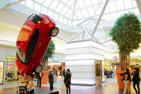 La publicidad de Alfa Romeo durante el Salón de Bruselas 21