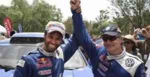 Sainz rompió su maleficio y ganó el Dakar 2010 3