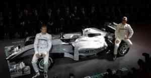 El equipo Mercedes se presenta con Michael Schumacher 3
