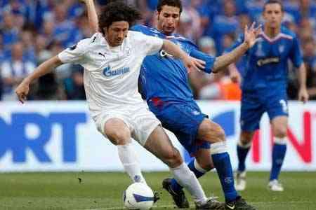 Fatih Tekke ficha por el Rubin Kazan 3