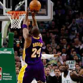 Kobe Bryant supera a West y es el máximo anotador de la historia de los Lakers