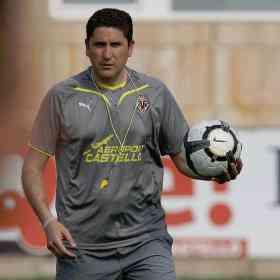 Garrido seguirá un año más en el banquillo del Villareal