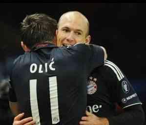 Robben acaba con la representación inglesa en Champions 3