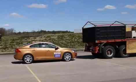 Volvo estrella un S60 nuevo en una demostración para periodistas 7