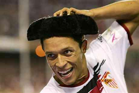 Adriano ya es jugador del Barcelona 3