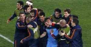 España está en semifinales gracias a Villa y ... ¡Casillas! 3