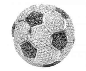 Un balón de oro y diamantes, ¡para meter gol! 5