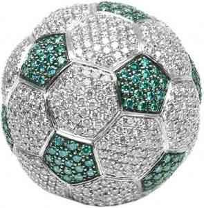 Un balón de oro y diamantes, ¡para meter gol! 6