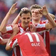 El Bayern gana 2-0 al Schalke 04 3