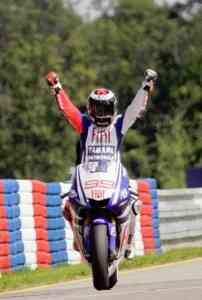 lorenzo logra la victoria en el gran premio de Brno
