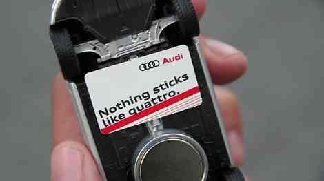 Nada se pega como Quattro, campaña de publicidad con miniaturas 12