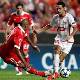 el benfica derrota al hapoel en la primera jornada de champions