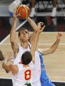 España resurgió ante Grecia 3