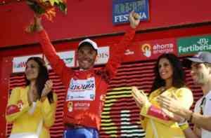 Purito Rodríguez se enfunda el maillot de líder 3