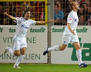 El Schalke 04 consigue la primera victoria 3