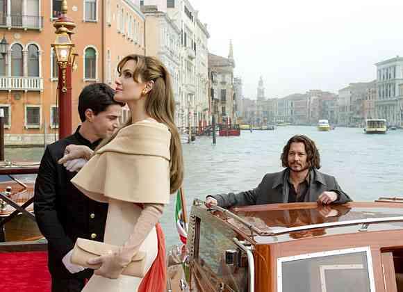 'The Tourist', tráiler con Angelina Jolie y Johnny Depp 3