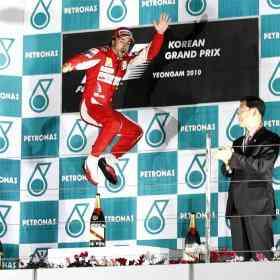 Alonso golpea Mundial
