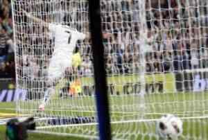 Cristiano Ronaldo se ceba contra el Racing de Santander 3