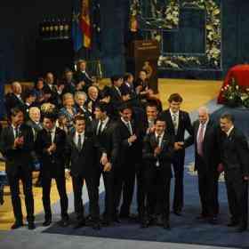 Del Bosque es generoso con Luis Aragonés 3