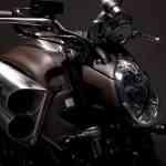 Hermès viste una Yamaha 4