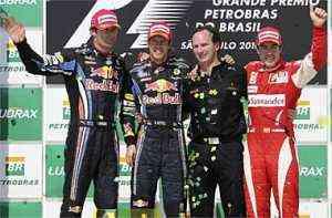 Vettel logra la victoria en Brasil y Alonso es tercero