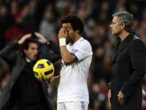 Un Emery caliente, pidió respeto a Mourinho 3