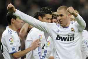 Benzema da los tres puntos al Madrid 3
