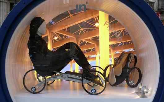 El traje que te transporta: diseños del IED para BMW 16