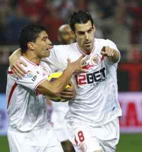 El Sevilla despega en casa 3