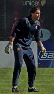 Pinto seguirá un año más en el Barcelona 3