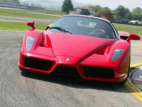 Conduce un Ferrari y libérate 3