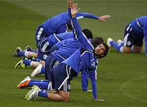 Schalke busca la remontada frente al manchester